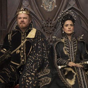 سلما هایک و جان سی ریلی در فیلم «داستان داستانها»(Tale of Tales)