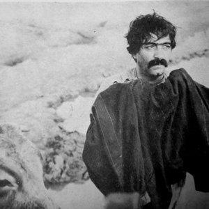 فیلم «گاو» با بازی عزت الله انتظامی