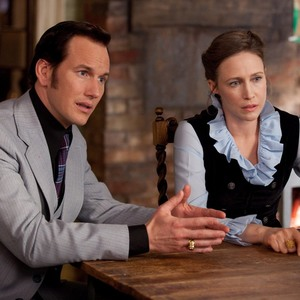 ورا فارمیگا و پاتریک ویلسون در فیلم «احضار روح ۲»(The Conjuring 2)