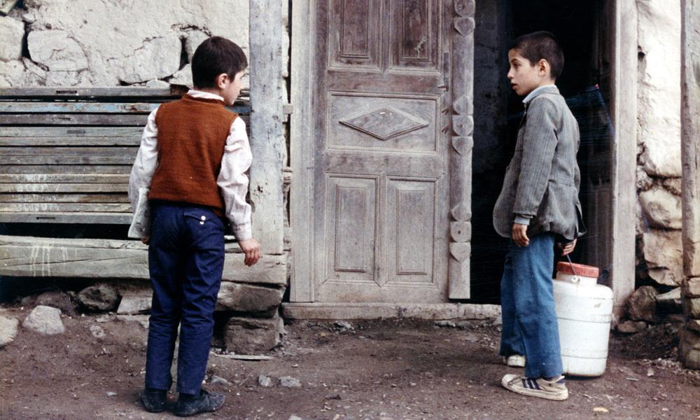 از بازیگران کودک دهه ۶۰ و ۷- چه خبر؟