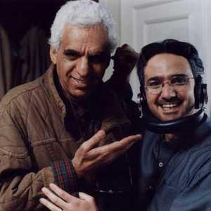 محمدرضا فروتن و کیومرث پوراحمد در پشت صحنه فیلم «شب یلدا»