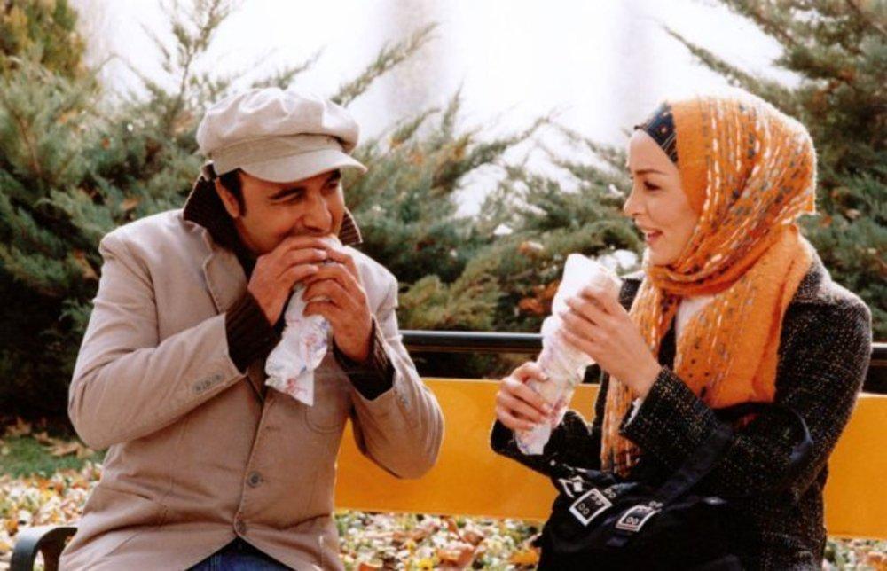 رضا عطاران و حدیث فولادوند در فیلم «کلاهی برای باران»