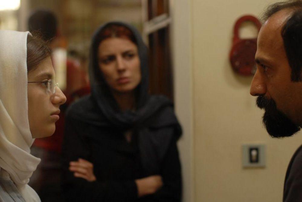 اصغر فرهادی و دخترش سارینا فرهادی در پشت صحنه فیلم «جدایی نادر از سیمین»