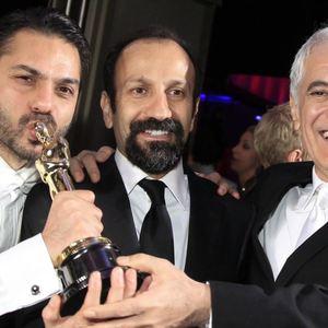 پیمان معادی، اصغر فرهادی و محمود کلاری بعد از مراسم اسکار 2012