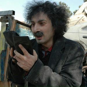 فیلم «12 صندلی» با بازی ارژنگ امیرفضلی
