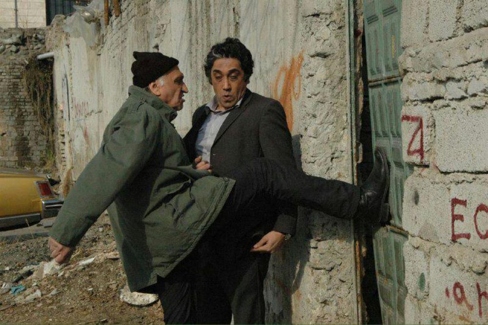 فیلم «12 صندلی» با بازی احمد نجفی و رامتین خداپناهی