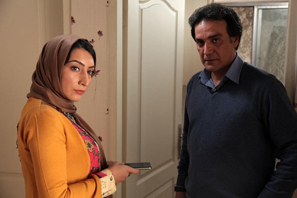 علیرضا آقاخانی و بهاران بنی احمدی در فیلم آزادی مشروط