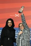 ساره بیات و سارینا فرهادی برنده خرس نقره بهترین بازیگر زن برای «جدايي نادر از سیمین» شصت و یکمین جشنواره فیلم برلین