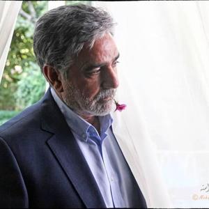 پرويز پرستويى در نمایی از فیلم «قاتل اهلی» مسعود كيميايى