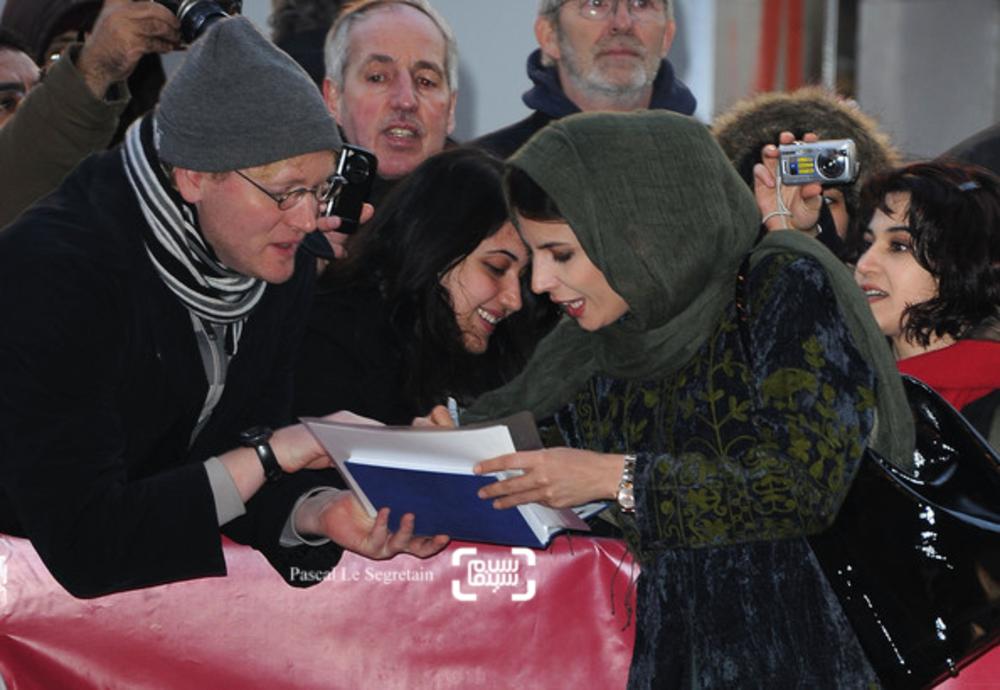 لیلا حاتمی در فرش قرمز فیلم «جدايي نادر از سیمین» در شصت و یکمین جشنواره فیلم برلین