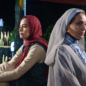 دیبا زاهدی و شبنم مقدمی در فیلم «سایه»