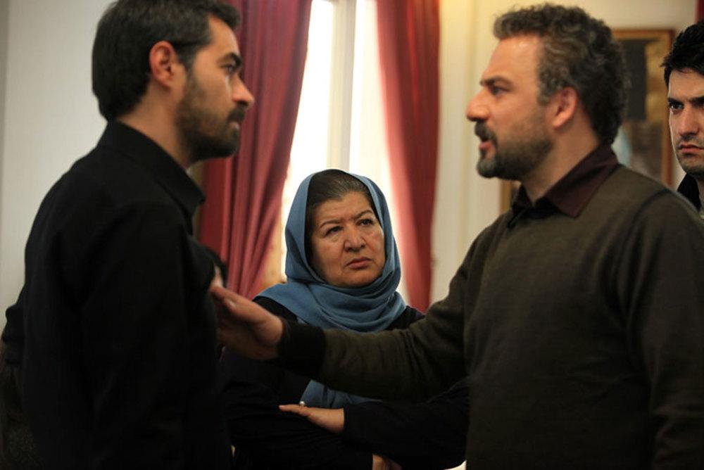 شهاب حسینی، امیر آقایی و پوران درخشنده در پشت صحنه فیلم «هیس دخترها فریاد نمی زنند»