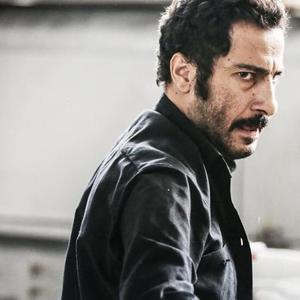نوید محمدزاده در فیلم «بدون تاریخ، بدون امضا»