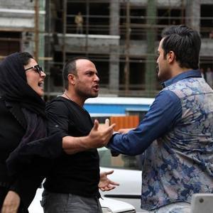 میلاد کیمرام، علیرضا کمالی و مینا ساداتی در فیلم «هاری»