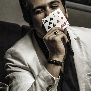 میلاد کیمرام در فیلم «هاری»