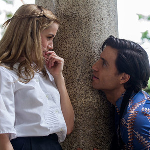 ادگار رامیرز و آنا دِ آرماس در فیلم «دست های سنگی»(Hands of Stone)