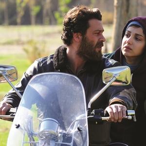 روشنک گرامی و پژمان بازغی در فیلم «هلن»