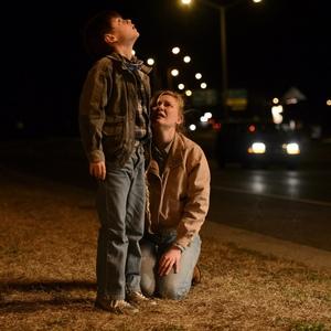 فیلم «ویژه نیمه شب»(midnight special) با بازی جیدن لیبرهر و کیرستن دانست