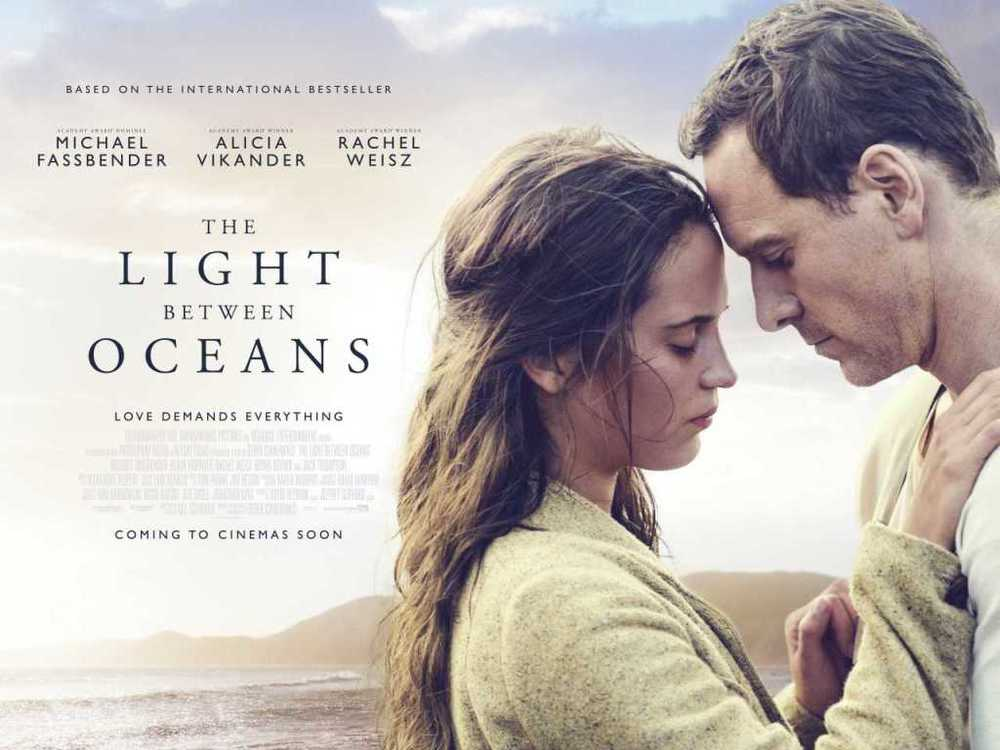 مایکل فاسبندر و آلیسیا ویکاندر در فیلم «نوری در میان اقیانوسها» (The Light Between Oceans)