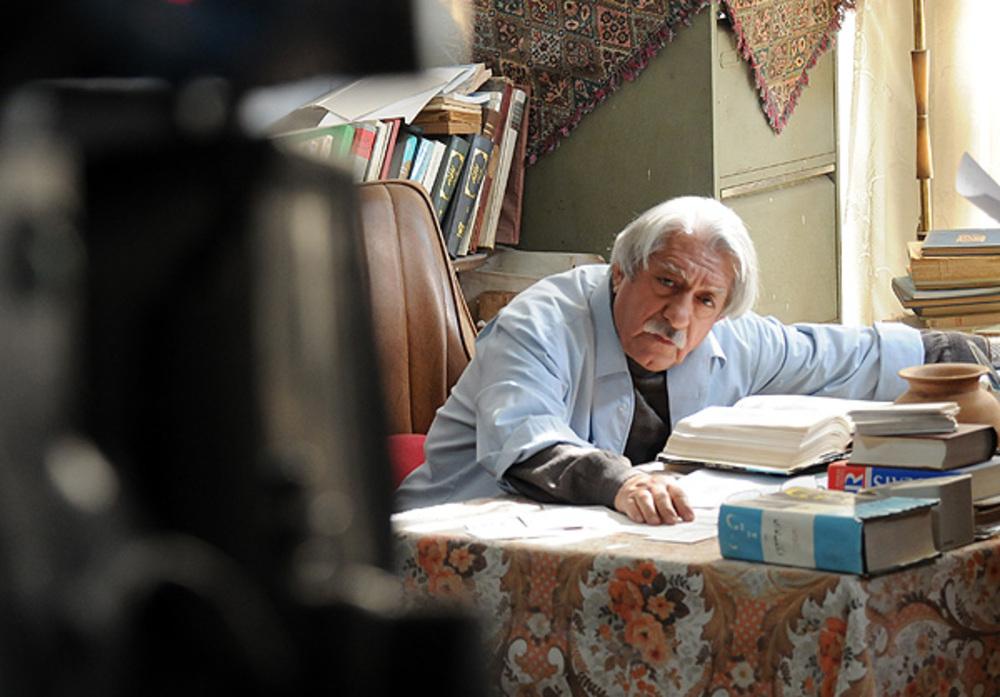 عزت الله انتظامی در نمایی از فیلم چهل سالگی