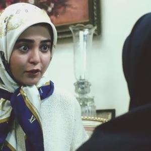 رزیتا غفاری در نمایی از فیلم هتل کارتن