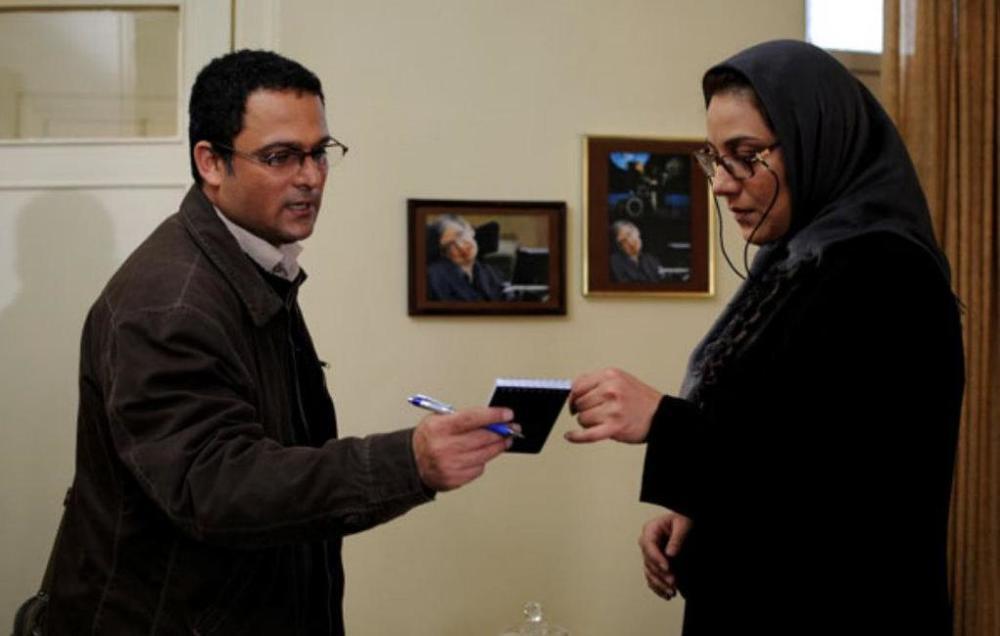 حسین یاری و شبنم مقدمی در نمایی از فیلم ابرهای ارغوانی