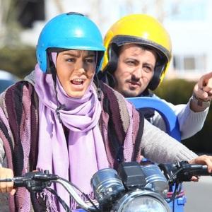 آرش اسد و سحر قریشی در نمایی از فیلم شیر یا خط