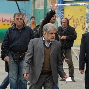 اکبر عبدی و مهدی هاشمی در پشت صحنه تلفن همراه رئیس جمهور