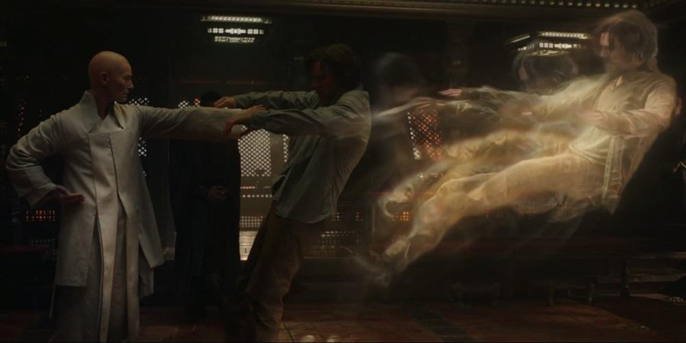 بندیکت کامبربچ و تیلدا سوئینتن در فیلم «دکتر استرنج»(Doctor Strange)