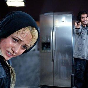 باران کوثری و محمدرضا فروتن در فیلم پستچی سه بار در نمی زند
