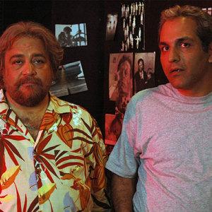 محمدرضا شریفی نیا و مهران مدیری در فیلم دایره زنگی