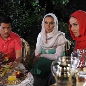 سیاوش خیرابی و زیبا بروفه و پریناز ایزدیار در فیلم استخر