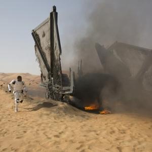فیلم «جنگ ستارگان: نیرو برمیخیزد»(Star Wars: Episode VII - The Force Awakens)