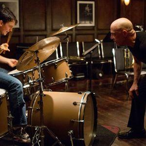 جی کی سیمونز و مایلز تلر در فیلم «شلاق»(Whiplash)