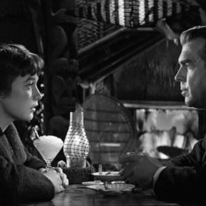 فرد مک موری و شرلی مک لین در فیلم «آپارتمان»(the apartment)