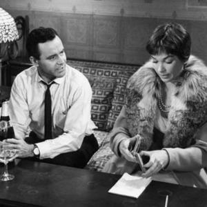 شرلی مک لین و جک لمون در فیلم «آپارتمان»(the apartment)