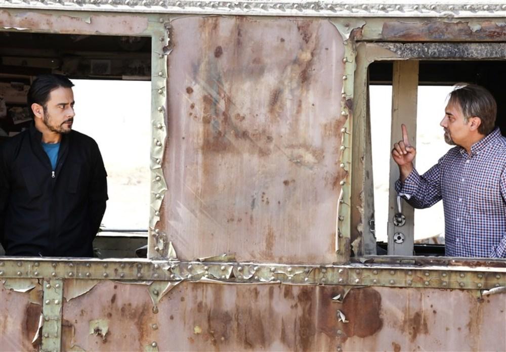 برزو ارجمند و رحیم نوروزی در فیلم «چهل مروارید»
