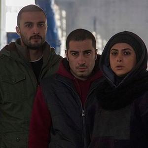 آزاده صمدی و امیر جدیدی و نوید محمدزاده در فیلم سیزده 13