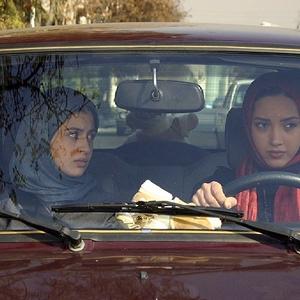 سوفی کیانی و خاطره اسدی در فیلم «دیشب باباتو دیدم آیدا»
