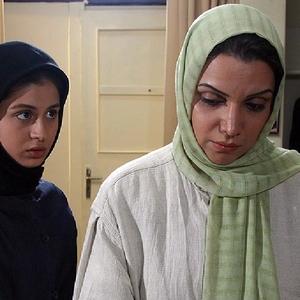 الهام پاوه نژاد و سوفی کیانی در فیلم «دیشب باباتو دیدم آیدا»
