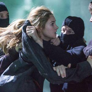 شی لین وودلی و کریستین مدسن در فیلم «ناهمتا»(divergent)
