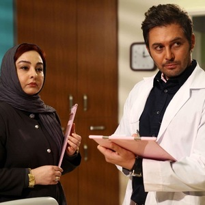فیلم مجرد چهل ساله با بازی ماهایا پطروسیان و دانیال عبادی
