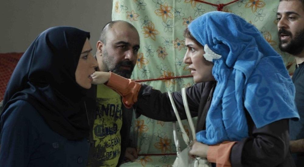 رضا عطاران، پانته آ بهرام و نگار جواهریان در فیلم «بی خود و بی جهت»