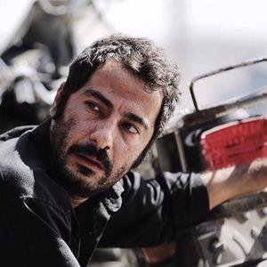 نوید محمدزاده در نمایی از فیلم «بدون تاریخ، بدون امضا»