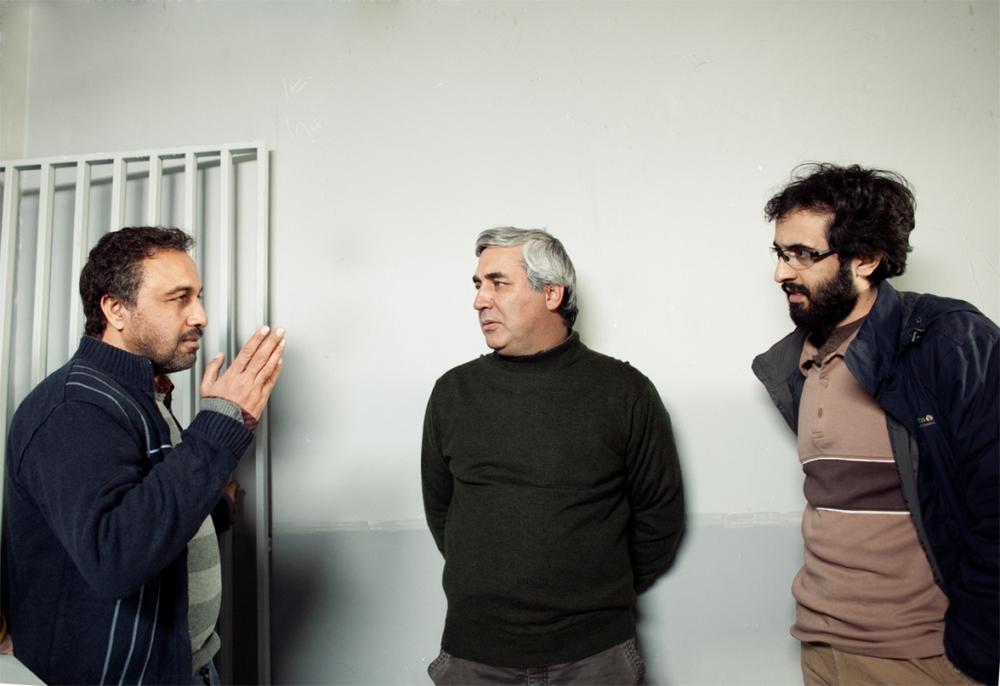 رضا عطاران، بهروز شعیبی و ابراهیم حاتمی کیا در پشت صحنه فیلم «دهلیز»