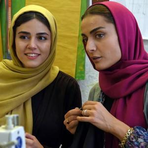 السا فیروزآذر و ماهور الوند در فیلم «ملی و راه های نرفته اش»
