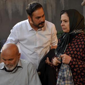 میلاد کی مرام، جمشید هاشم پور و افسر اسدی در فیلم «ملی و راه های نرفته اش»