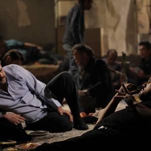 حامد بهداد و هومن برق نورد در نمایی از فیلم آرایش غلیظ