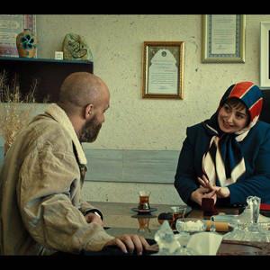 ژاله صامتی در فیلم «حمال طلا»