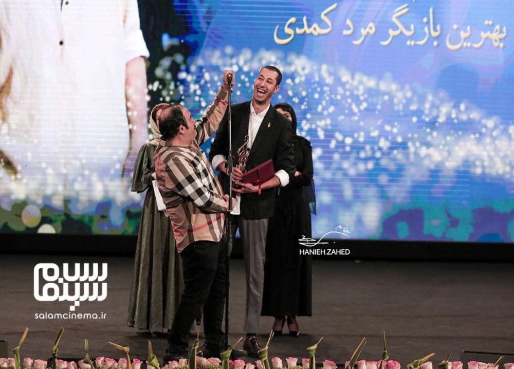 بهرام افشاری برنده جایزه بهترین بازیگر مرد کمدی برای «پایتخت5» در هجدهمین جشن حافظ